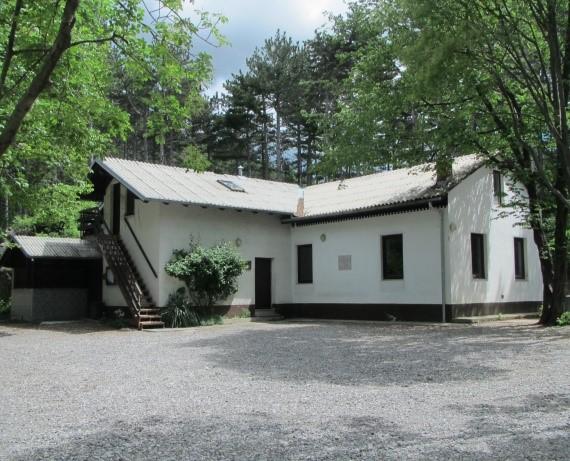 Lovski dom nad Budanjami
